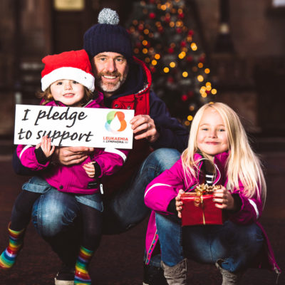 Emme & Freyja Miskelly with dad Tony making their Christmas pledge for Leukaemia & Lymphoma. Picture: Elaine Hill